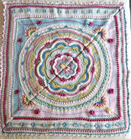 the same but different, crochet blankets